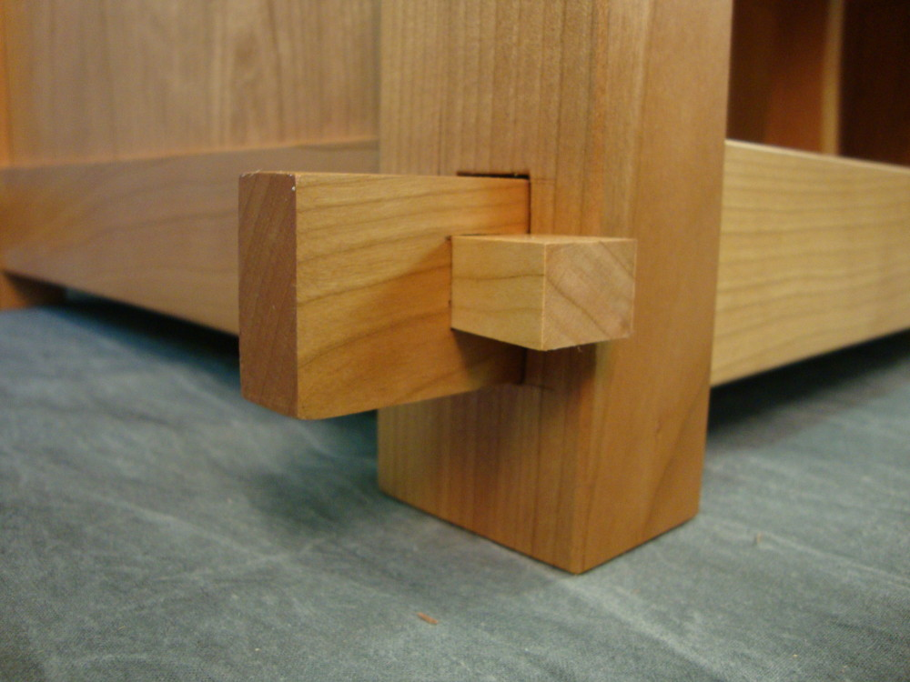 This is another view of the thru tenon with the tusk in place.