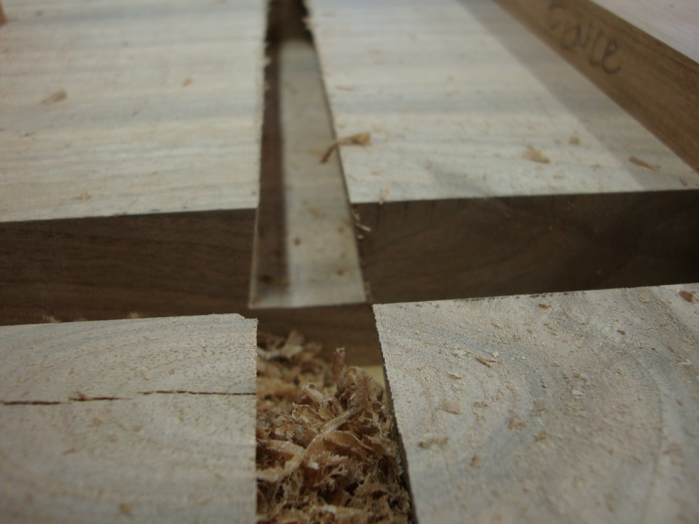 The completed dovetail cut.
